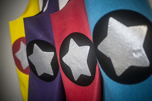 toddler no-sew superhero cape tutorial